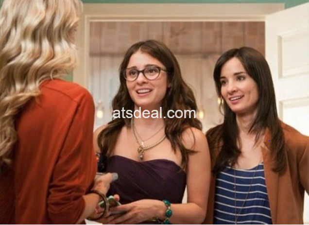 Alison (right) and co-star Shiri Appleby