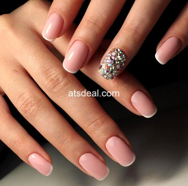 squoval_nail shape trends 2019